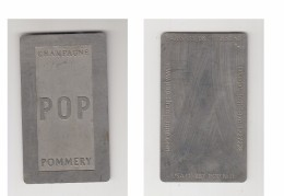 CHAMPAGNE POP POMMERY - CARTE DE VISITE INTERNATIONALE MÉTAL - Pomméry