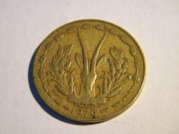 ETATS DE L'AFRIQUE DE L'OUEST - 10 FRANCS 1976. - Monnaies