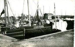 N°368 K -cpsm Ouistreham Riva Bella -un Coin Du Port- - Bateaux