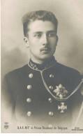 D 300   Prince Baudouin - Familles Royales