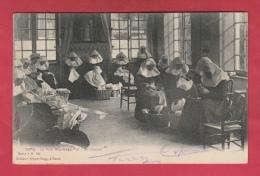 Gent / Gand - Le Petit Béguinage - Un Ouvroir - Edit : Albert Sugg - 1905 ( Verso Zien ) - Gent