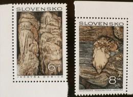 SLOVAQUIE Mineraux, Aragonite+grotte    ** MNH, Neuf Sans Charniere - Minéraux