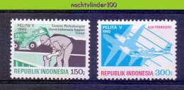 Mgm1493 STRATENBOUW ´TRACTOR´ SHOVEL BUILDING STREETS VLIEGTUIG PLANE FLUGZEUG INDONESIA 1992 PF/MNH  VANAF1EURO # - Vliegtuigen