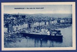 13 MARSEILLE Un Coin Du Vieux Port ; Paquebots, Cargos, Chalutiers, Canots - Vieux Port, Saint Victor, Le Panier