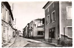 CPSM St GERMAIN DU PUCH  La Rue Principale Empreinte Postale 1952   9970 - Frankrijk