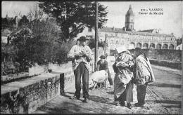 2 X COCHON PORC : Vannes Retour Du Marché Porcelet + Moulins Marché Aux Porcs - Markets