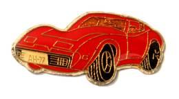 Pin's CIHEVROLET CORVETTE A 77 Rouge - F800 - Corvette