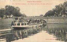TOULOUSE LES PONTS JUMEAUX UN DEPART DE BATEAU MOUCHE LE DIMANCHE - Toulouse