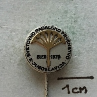 Badge (Pin) ZN003338 - Parachuting (Fallschirmspringen) Yugoslavia Slovenia Bled World Championship 1979 - Parachutting