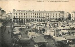 TOULOUSE PLACE DU CAPITOLE ET LES ARCADES - Toulouse
