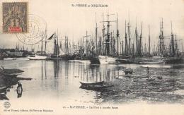 CPA Saint Pierre Et Miquelon Le Port à Marée Basse - Saint-Pierre-et-Miquelon