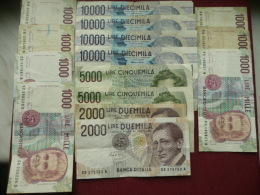 ITALIE Lot De 15 Billets à Voir !!!!! 61 000 Lire - [ 2] 1946-… : Republiek