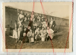 Id Au Dos Février Promotion 34 1933 1934 Groupe Femme Avec Des Balais Humour - Foto