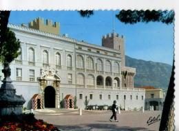 CP98174 - MONACO - Le Palais - Porte D'Honneur Et La Garde - Fürstenpalast