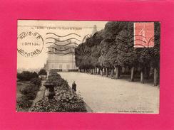 41 LOIR ET CHER, BLOIS, L'Evéché, Le Square Et Le Jardin, Animée, 1931, (Grand Bazar) - Blois