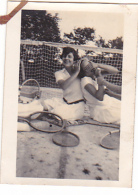 25936 -2 Photos Tennis Feminin Femme - CHEVRON -( Chalons Marne ?) Sport Equipe -juillet 1928