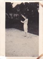 25938 -2 Photos Tennis Feminin Femme - Mme CHEVRON - ( Chalons Marne ? ) Sport Equipe -juillet 1928