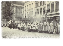 37220 ( 2 Scans ) Antwerpen De Processie Op De Groote Markt - Anvers La Procession Grand Place - 1921 - Antwerpen