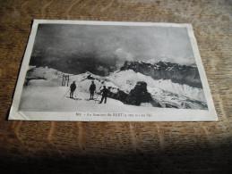 CPA Du Mont Blanc (Haute Savoie) - N°101 - Au Sommet Du Buet En Ski - Carte Animée Skieurs - Chamonix-Mont-Blanc