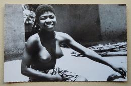 A.E.F (TOGO) AFRIQUE NOIRE Jeune Femme Ewé Seins Nus - Togo