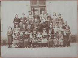 AUNAY SUR ODON - ( Calvados ) - Photo De Classe , école Des Filles / Format 22 Cm Par 17 Cm - Luoghi