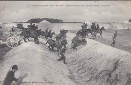 MILITARIA---L'artillerie Montée Et Les Obstacles--franchissement D'un Chemin étroit Et Encaissé---voir 2 Scans - Manoeuvres