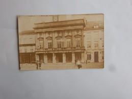 Carte Postale Ancienne : TIRLEMONT : L'Hotel De Ville, Animé, En 1919 - Tienen