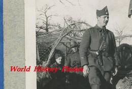 3 Photos Anciennes - Groupe De Militaire Du 7e Régiment Prés D'un Abri ? - 1939 - Ww2 Train Wagon - Guerre, Militaire