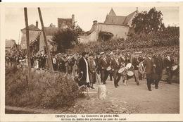 CHECY. LE CONCOURS DE PECHE DE 1934. ARRIVEE DU DEFILE DES PECHEURS AU PONT DU CANAL - France