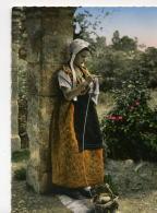 FOLK157 - Jeune Fille En Costume De Comtadine - Personnages