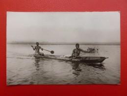 JEUNES PIROGUIERES AUX SEINS NUS DAHOMEY - Dahomey