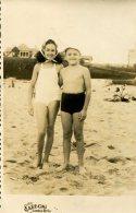 FOTO PAREJA DE NIÑOS COSTA MAR DEL PLATA 1945 ZTU. - Photos