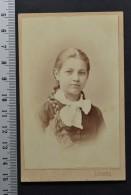 CDV Woman Portrait Young Girl Photography Lafranchini Wien (1323) - Ancianas (antes De 1900)