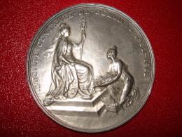 Medaille   Bronze Argenté  Signé G Devreese Societe Generale De Belgique1822-1922 - Non Classés