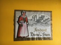 2119 - Suisse Valais  Fendant De La Dame De Sion  Petite étiquette - Etiquettes