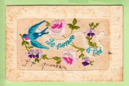 Magnifiques Hirondelle Et Roses Brodées Pour Une Pensée Pour Saint QUENTIN - 2 Scans - Brodées