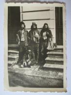 RARE! PHOTO(83 X 62 MM) ROMANIAN BEARS GYPSIES 40´s - Personas Anónimos