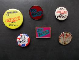 """- Lot De 6 Anciens Badges """"SEX PISTOLS"""" Année 80 - - Musik"""