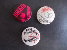 """- Lot De 3 Anciens Badges """"DEAD KENNEDYS"""" Année 80 - - Musique"""