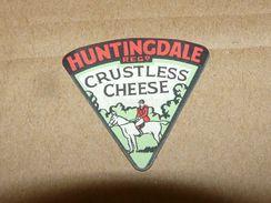 Cheese Queso Kase Label Etikette Etiqueta ~1920-1950 HUNTINGDALE CRUSTLESS ENGLAND FOX HUNTER HORSE PFERD - Quesos