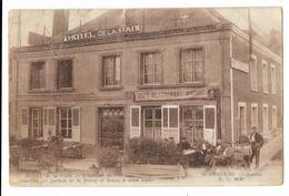 """Cpa: 08 MONTHERME (ar. Charleville Mézières) Hôtel De La Paix  (Café - Restaurant """"Marius"""", Animé) Mme Veuve Oudinet - Montherme"""