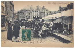 Cpa Dinan - Au Marché ( Vaches ) ((S.138)) - Dinan