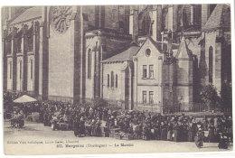 Cpa Bergerac - Le Marché   ((S.149)) - Bergerac