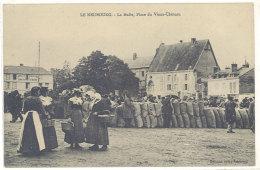Cpa Le Neubourg - La Halle, Place Du Vieux-Château    ((S.168)) - Le Neubourg