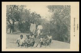 GUINÉ-BISSAU - Indigènes. ( Nº 64)  Carte PostalE - Guinea Bissau