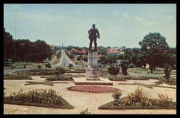 BISSAU - ESTATUAS - Monumeto A Teixeira Pinto. ( Ed. Foto Serra Nº 112) Carte Postale - Guinea Bissau
