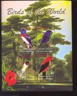 GRENADA   GRE   2500  MINT NEVER HINGED MINI SHEET OF BIRDS   #   M-377  ( - Unclassified