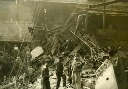 France Ouvriers Sur Les Lieux D'une Explosion Ancienne Photo 1910 - Photographs