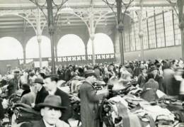 France Paris Marche Saint-Pierre Couvert Vetements Textils Ancienne Photo 1930 - Photographs