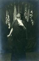 Portrait Patriotique Femme Et Drapeaux Actrice? Photo Ancienne Anonyme 1918